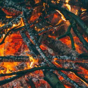 lagerfeuer und glut