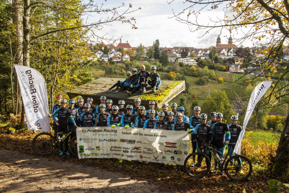 Teambild toMotion Racing by black tusk